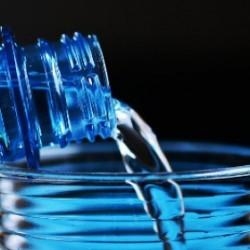 Больше воды для красивой кожи в жару