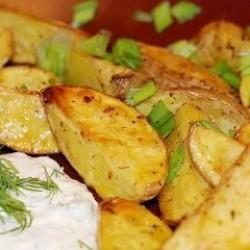 Картофель по крестьянски с чесночным соусом