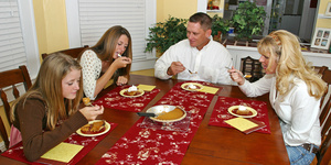 Как не набрать вес во время праздничков